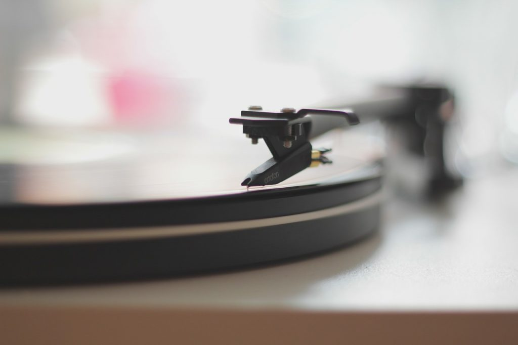 Image by Free-Photos from Pixabay; music; how music affects mental health